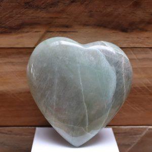 Groene Maansteen met Garnieriet hart